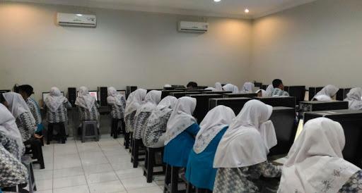 Lab Komputer SMA futuhiyyah Mranggen